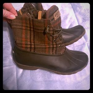 Plaid sperry duck boots